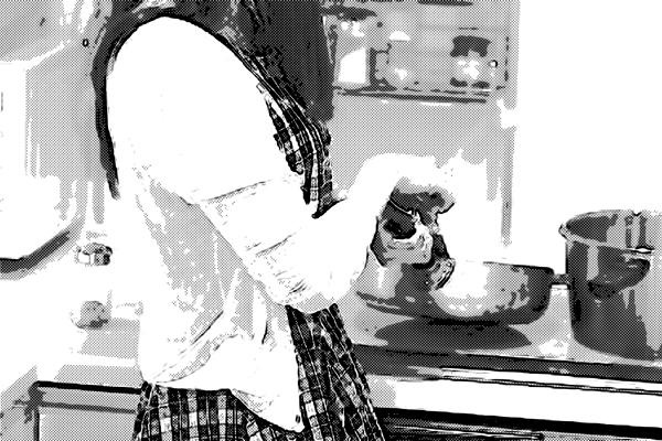 料理する彼女