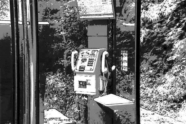 鳴り続けている公衆電話に出てみると・・・