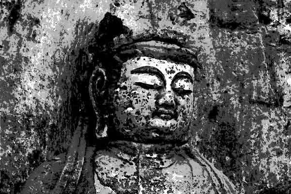 見る人によって顔が変わる仏様
