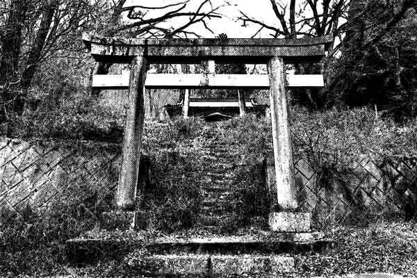 向き合っている奇妙な2つの神社